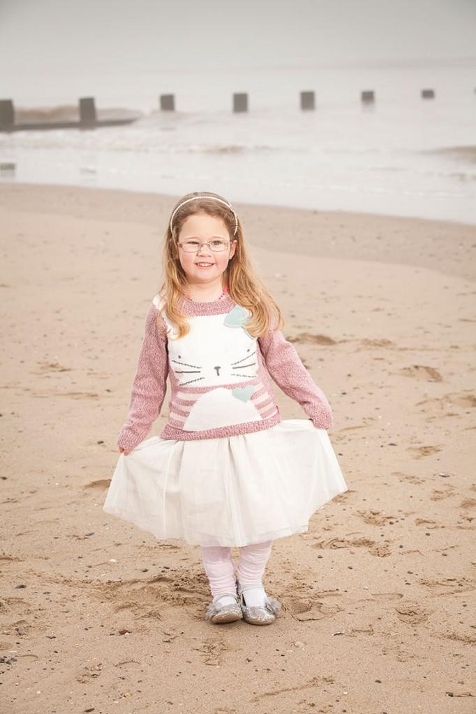 Curtsy on Beach