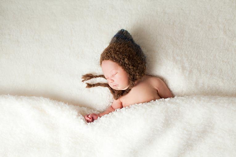 Newborn bed pose (2)