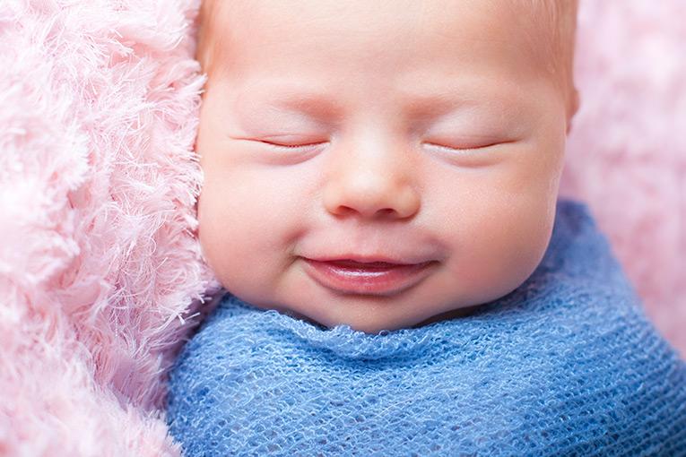 Summer Skye & Jonty Prestatyn Family & Newborn Photos (10)