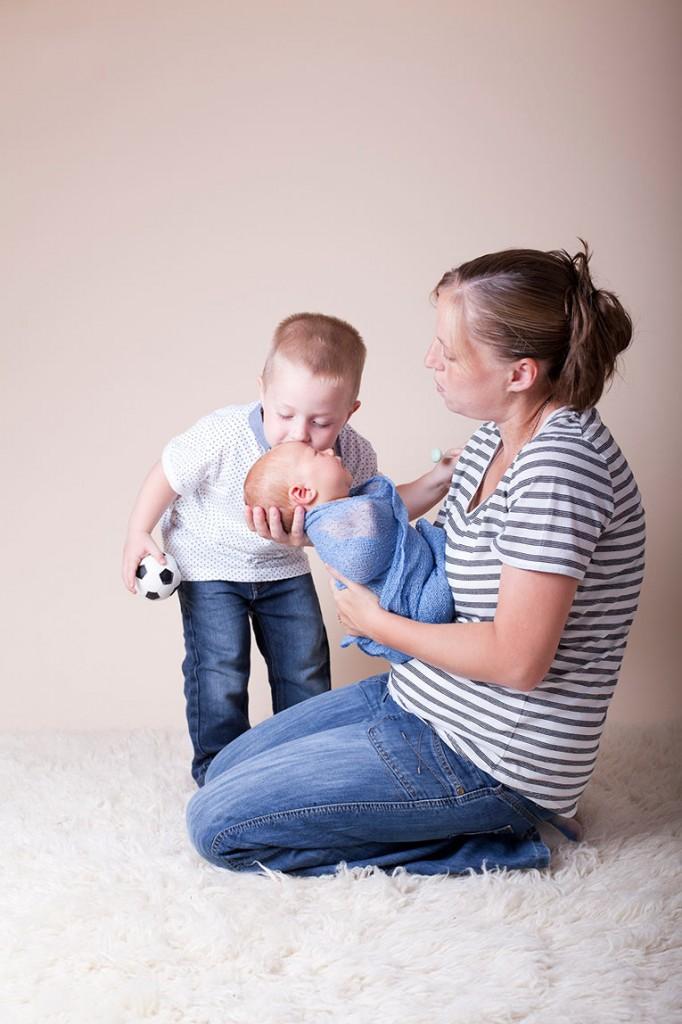 Summer Skye & Jonty Prestatyn Family & Newborn Photos (17)