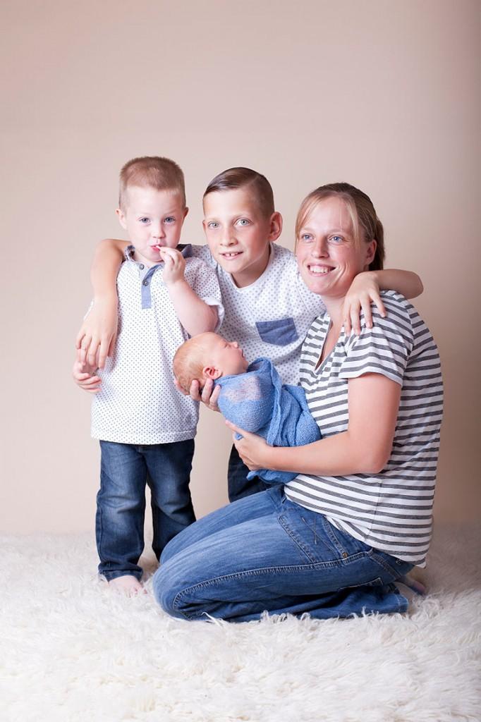 Summer Skye & Jonty Prestatyn Family & Newborn Photos (18)