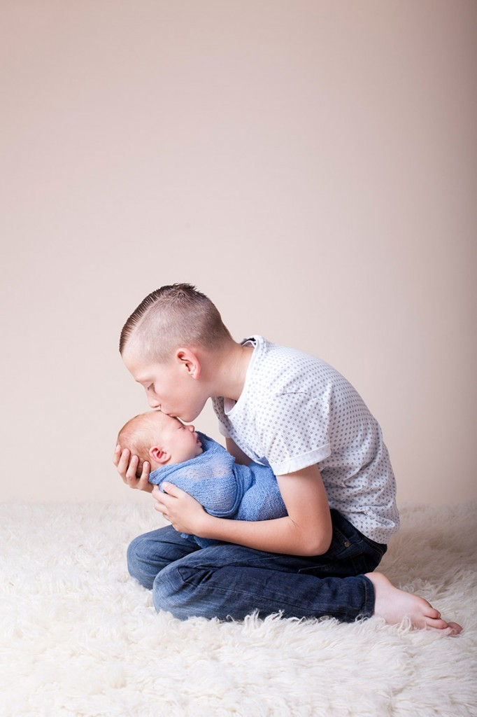 Summer Skye & Jonty Prestatyn Family & Newborn Photos (19)
