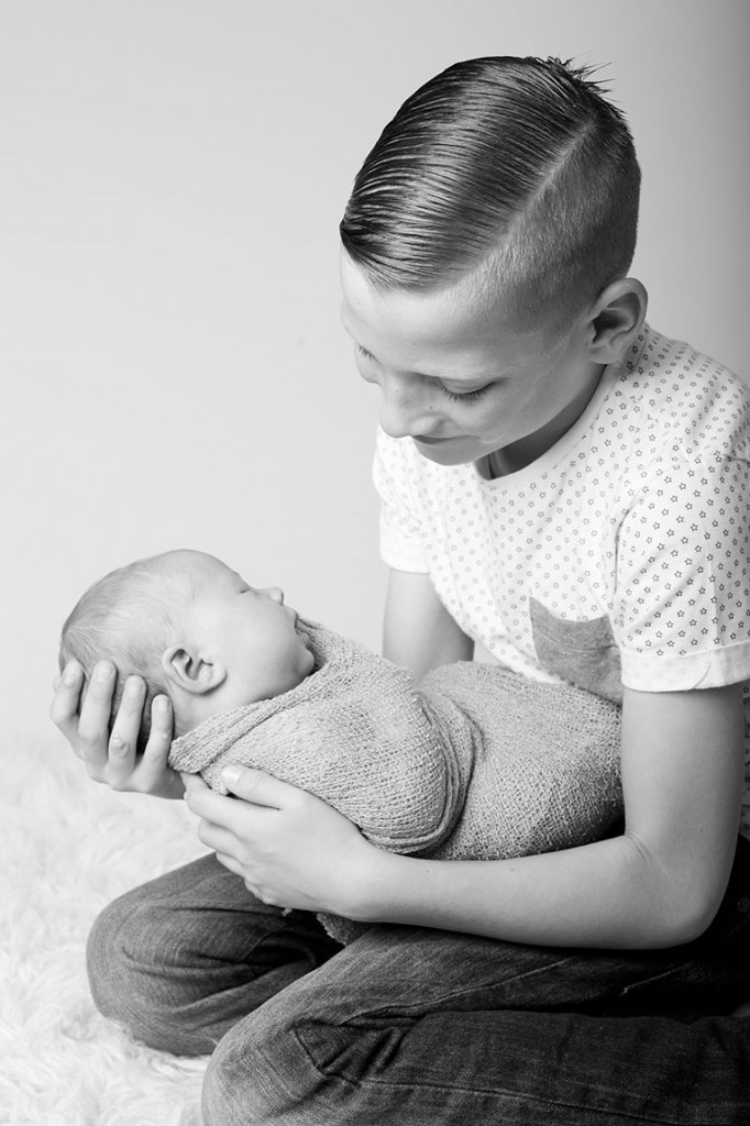 Summer Skye & Jonty Prestatyn Family & Newborn Photos (20)
