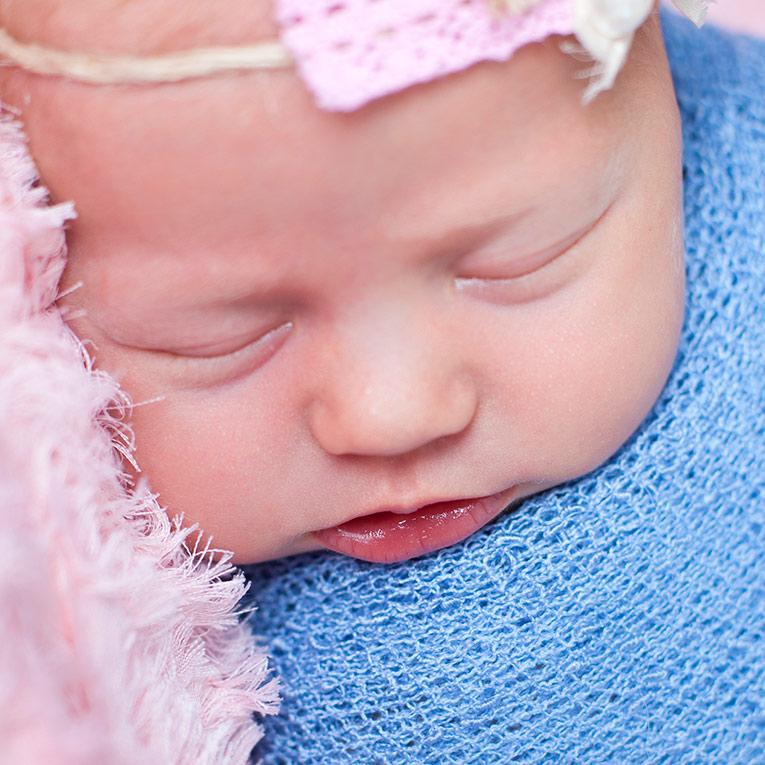 Summer Skye & Jonty Prestatyn Family & Newborn Photos (8)
